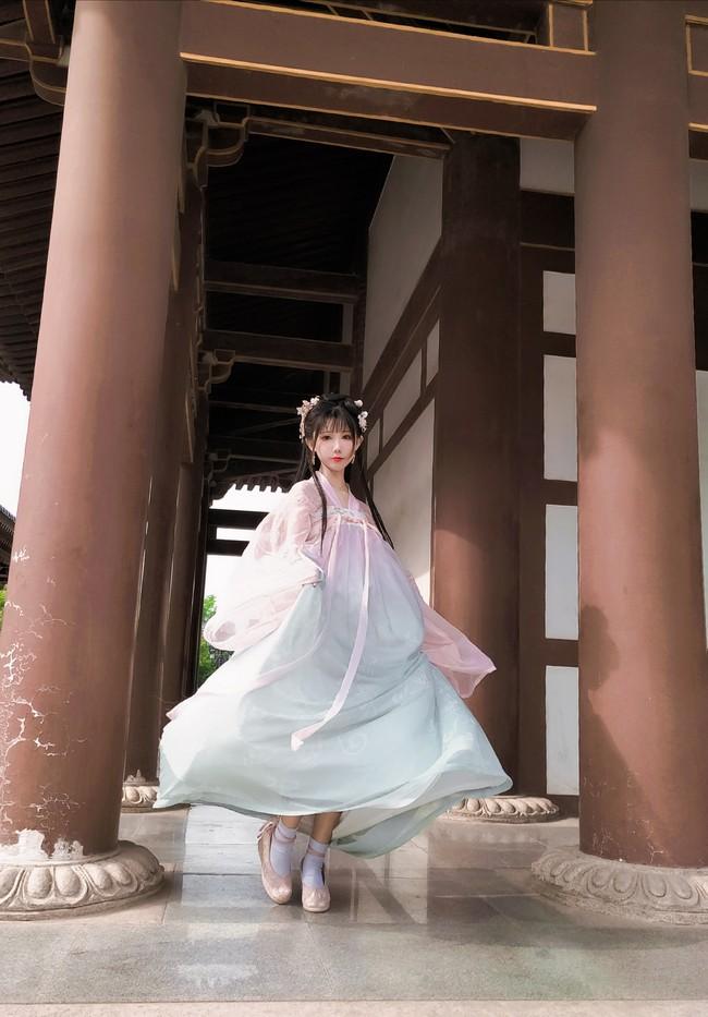 第一次正式的穿汉服~在西安青龙 ...