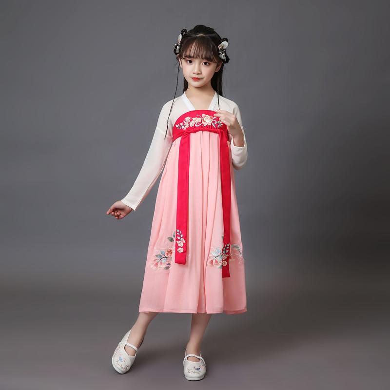 儿童童装古装模特