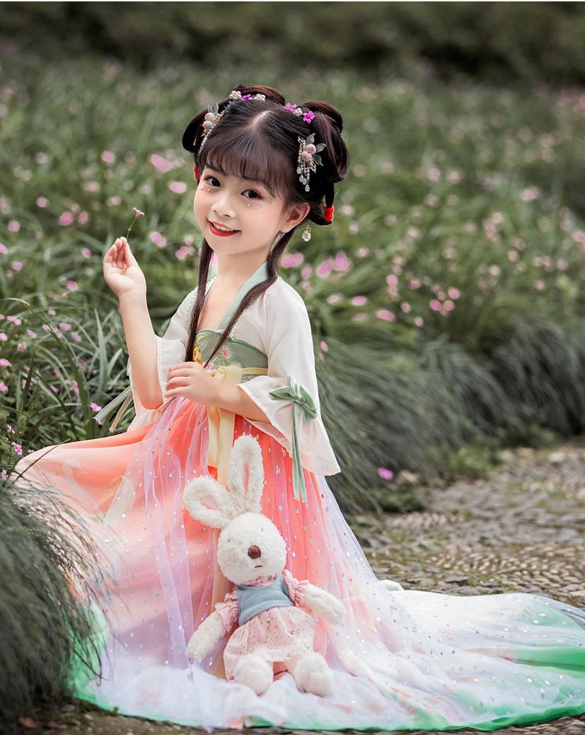 儿童汉服模特