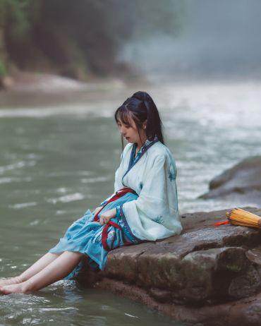 青城山.溪水.竹排